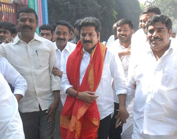 Jaipal Reddy follows in the foot steps his nephew Revanth Reddy