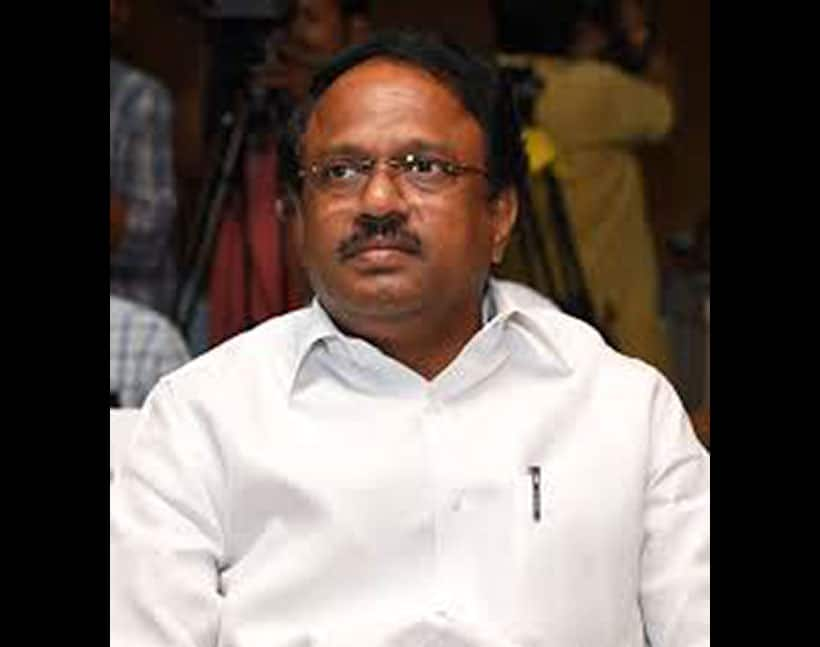 telangana heath minister laxma reddy interesting comments on government hospitals
