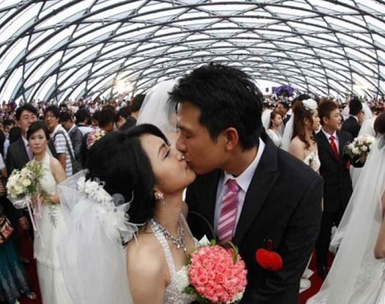 Marriage application system sees 300% rise in traffic as Wuhan lifts lockdown
