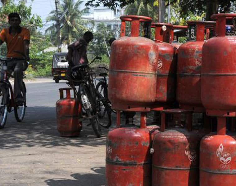 gas agencies in bangalore decide to go cashless for their customers