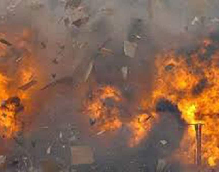 Chakravarthi dead after gas cylinder blast at cement factory in Anantapur district lns