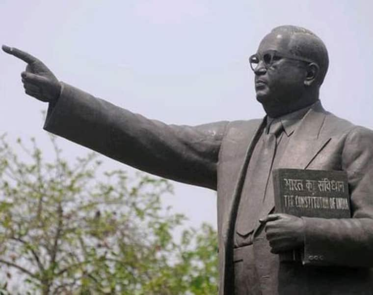 Organisations Ptrotest because of Insult to Ambedkar Statue Organisations Ptrotest