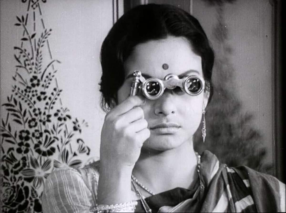 satyajit roy directed charulata with in a room