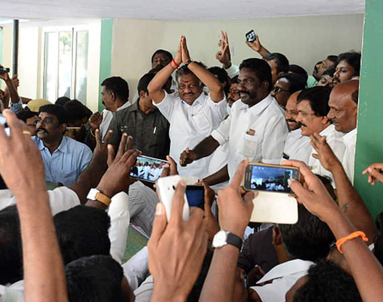 ADMK party issue in Thiruparakundram constituency