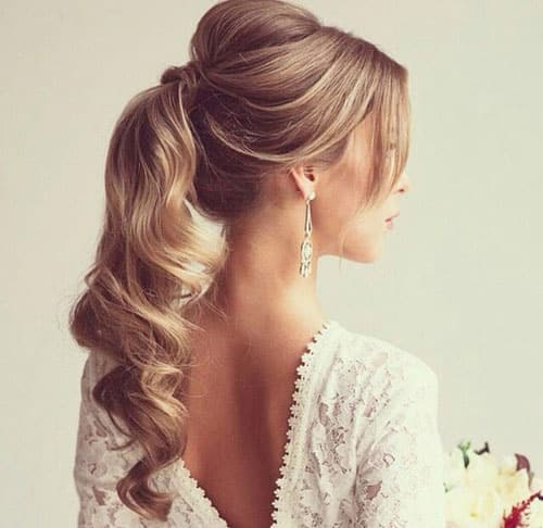 cute festive hairstyles that you must wear this party season