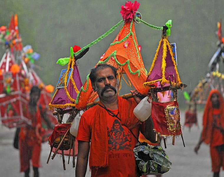 Muslims participate in annual Kanwar Yatra from UP village to Baba Dham in Jharkhand