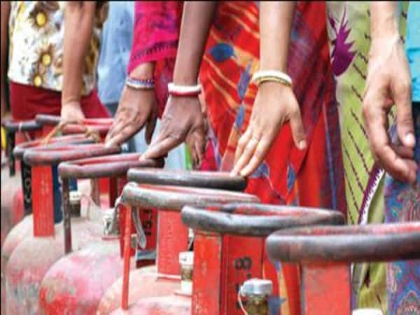 LPG prices Subsidised cylinder cheaper by Rs 1.46 non-subsidised rate by Rs 30