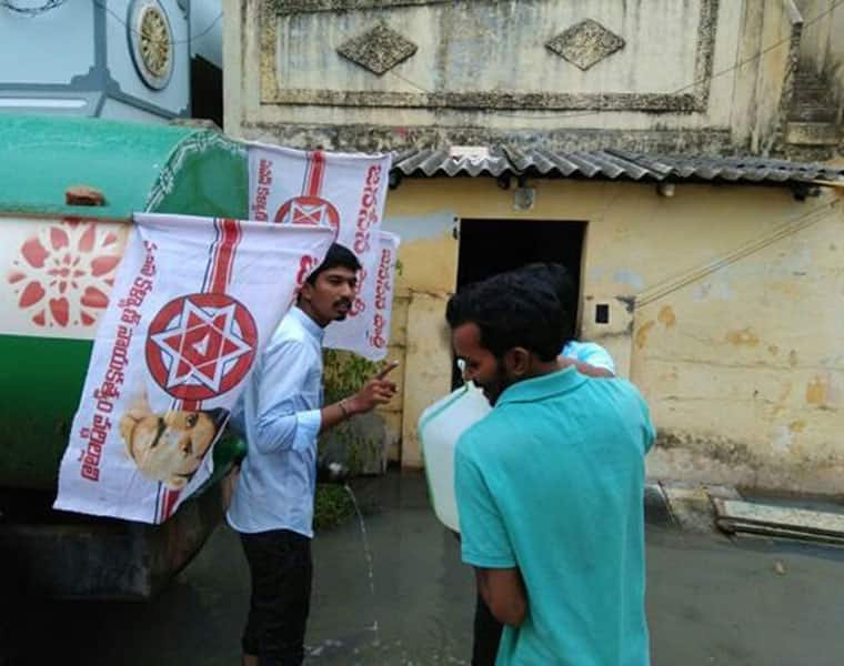janasena supplies drinking water to people in Nellore district