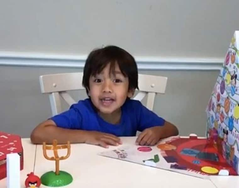 6 Year Old Made 11 Million dollors In One Year Reviewing Toys On YouTube