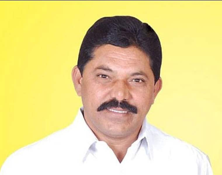 former MP Ramesh Rathod likely to join in BJP lns