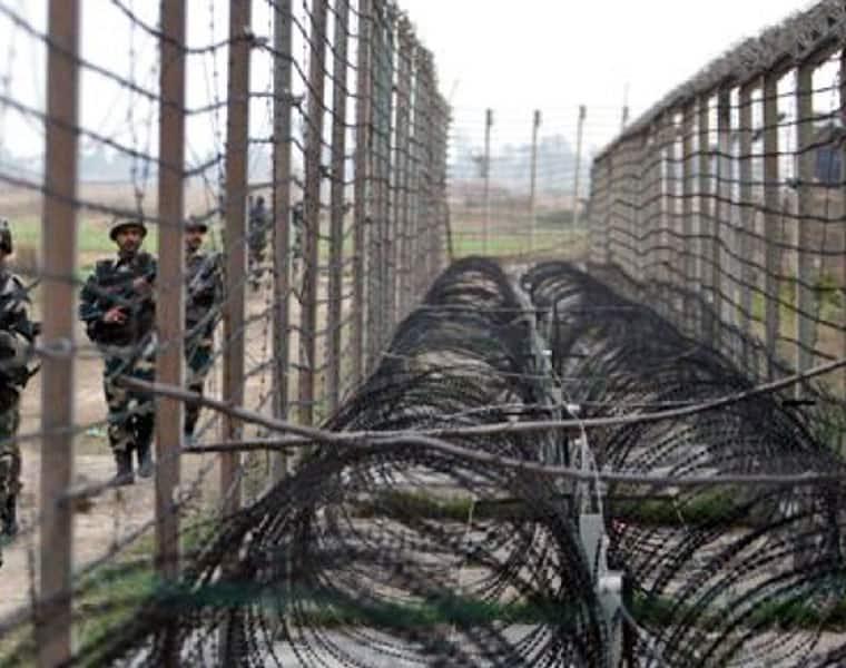 PAKISTAN ARMY FIRING ON LINE OF CONTROL NEAR JAMMU