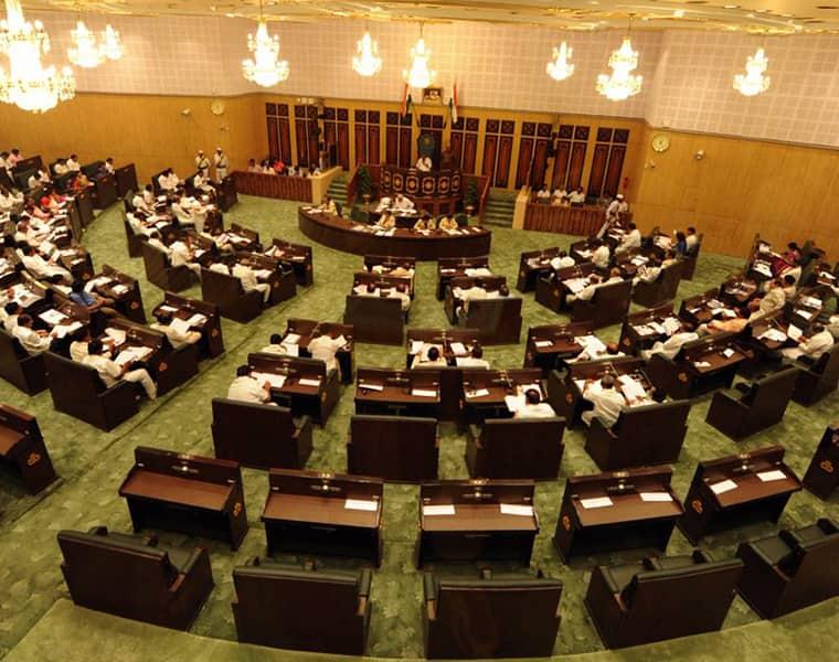 War words between Mallu bhatti vikramarka and ministers in Telangana Assembly