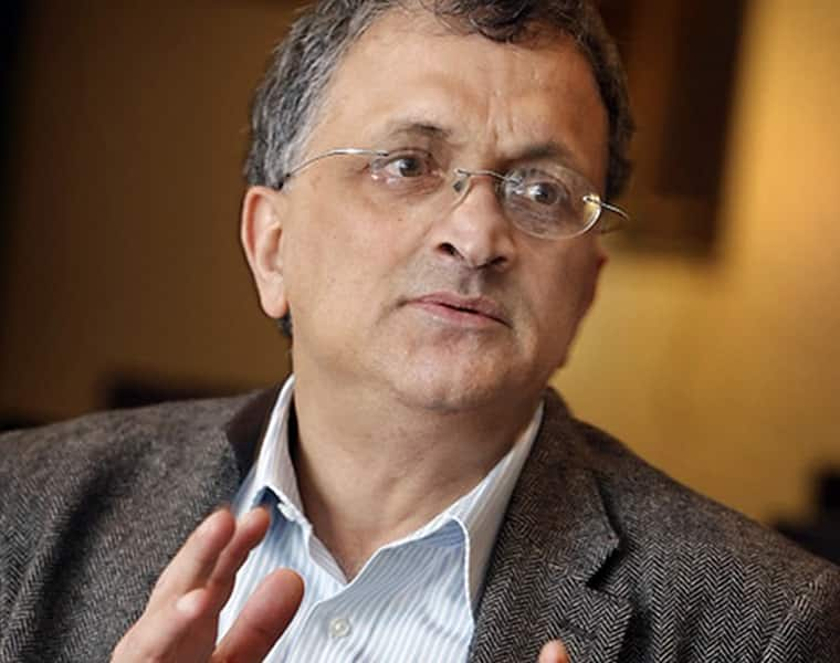 Ramchandra Guha removed the controversial tweet, saying - it was not right