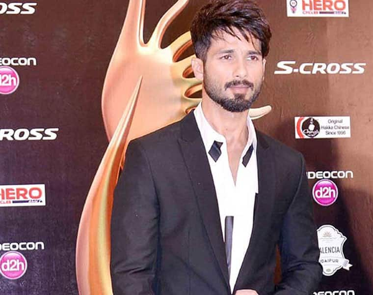 in arjun reddy movie , shahid kapoor is playing lead role and in opposite is kiara advani as a actress