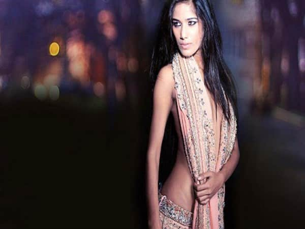 actress poonam pandey file the case for shilpha shetty husband