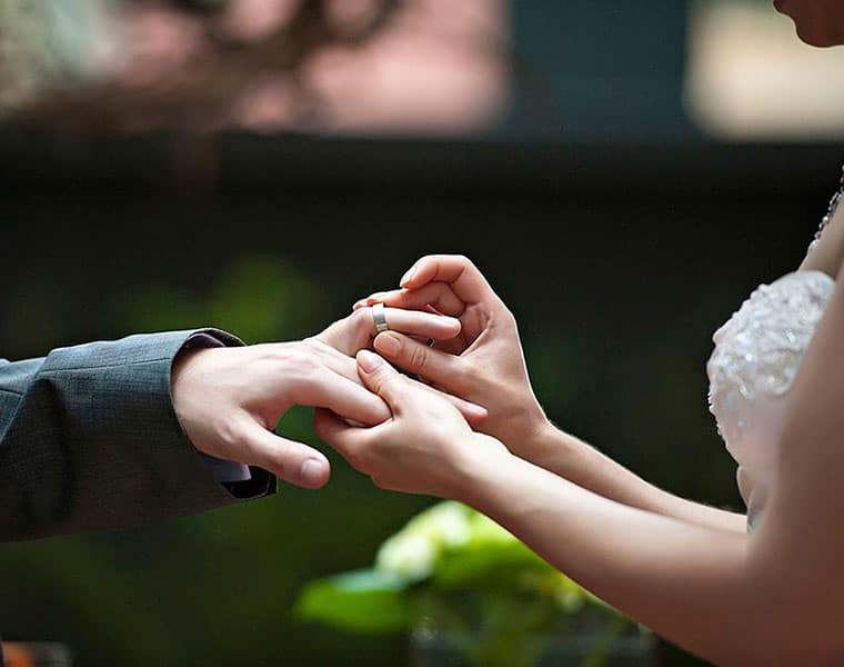 Five secrets to keep the married life happy