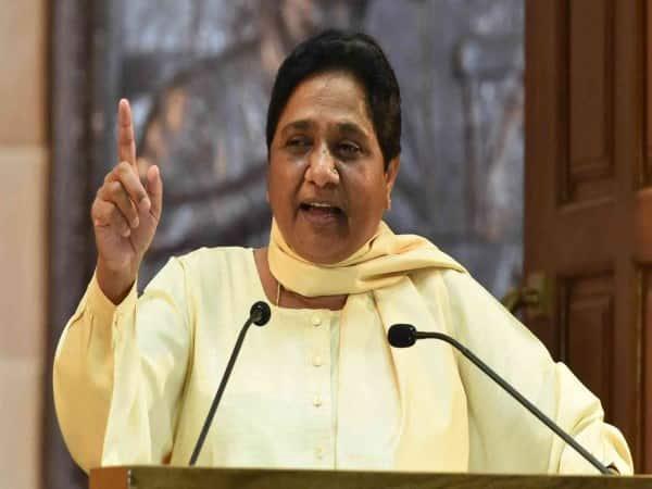 Mayavati threaten Congress