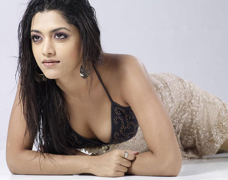 Mamta Mohandas reveals Deepika Padukone's college secrets!