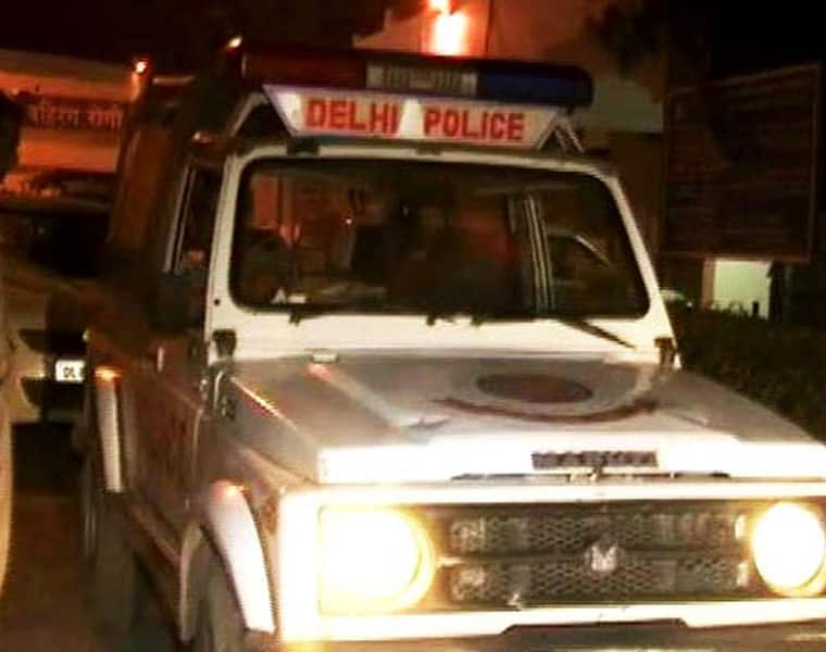 Father shot dead in front of six-year-old son in moving scooty