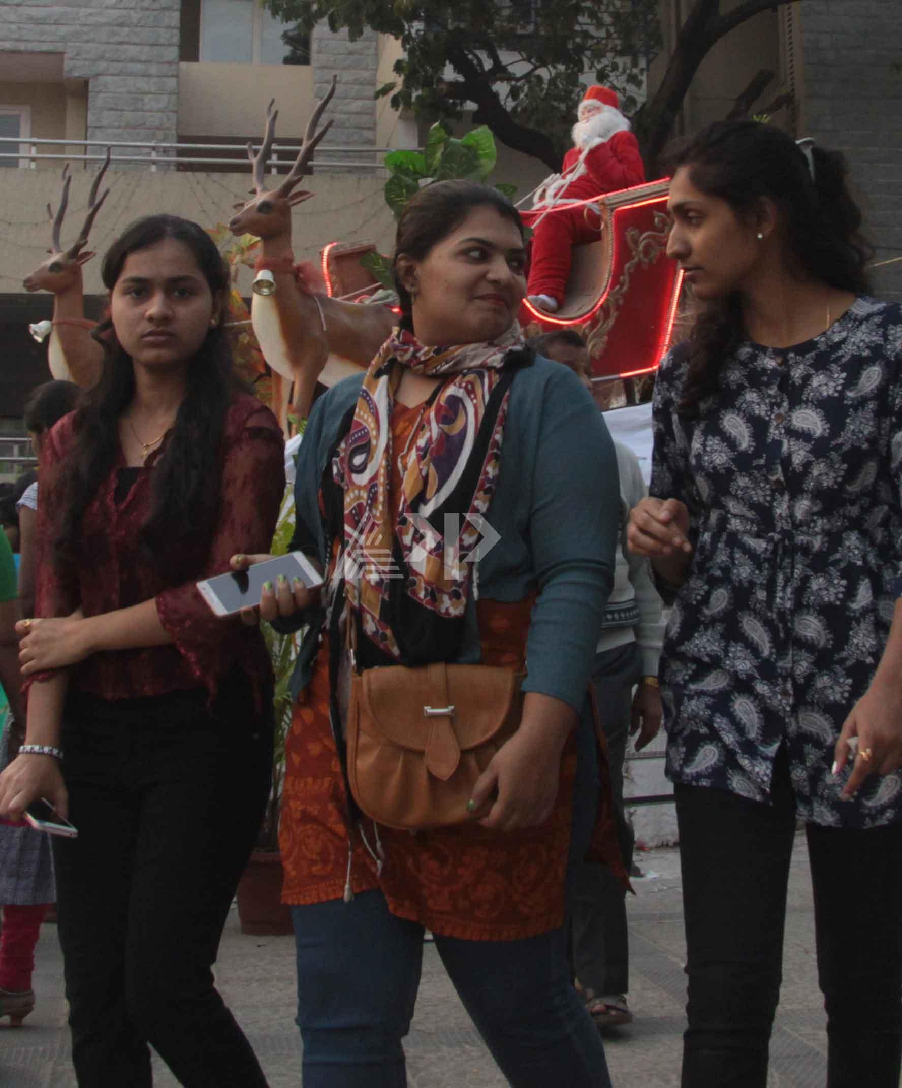 ರಾಜಧಾನಿ ಬೆಂಗಳೂರಿನಲ್ಲಿ ಸಡಗರದ ಕ್ರಿಸ್'ಮಸ್ ಆಚರಣೆ