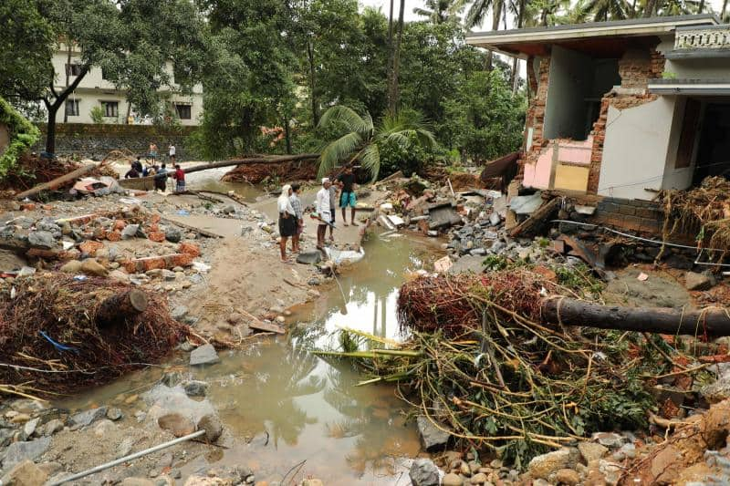 Reliance industries help kerala worth 71 crors