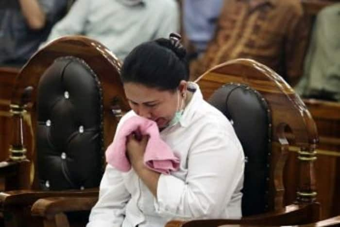 Buddhist woman loud noise mosque Indonesia jailed imprisonment Wahyu Prasetyo Wibowo Meiliana