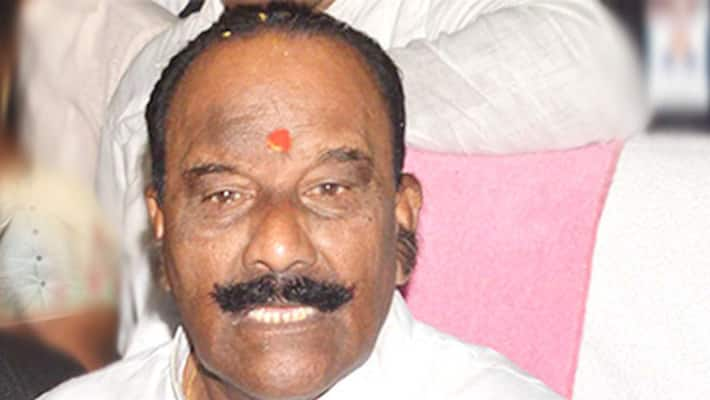 former minister nayini narsimha reddy sensational comments on kcr