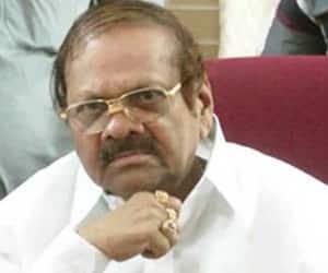 Karnataka: Senior Congress leader Baburao Chinchansur joins BJP
