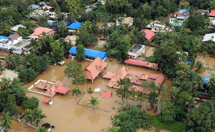 Kerala Floods: Catholic priest Jama Masjid