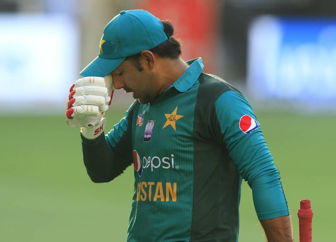 Pakistan names racist Sarfraz Ahmed as captain ICC slaps 4-match ban on glovesman