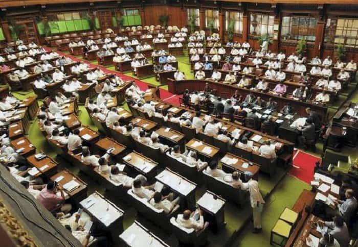 Goodbye 2018 The Real champion of Karnataka politics Minister DK Shivakumar