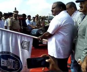 Karnataka Chief minister HD Kumaraswamy inaugurates vintage rally from Vidhana Soudha today
