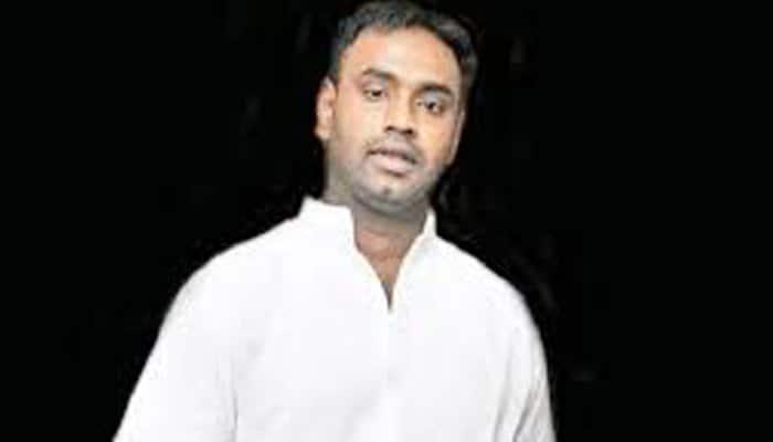 congress protest against jublihills returing officer