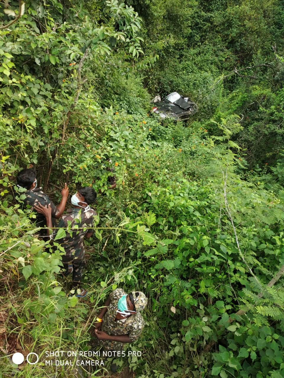 West Bengal Bus falls into Hooghly canal injury death