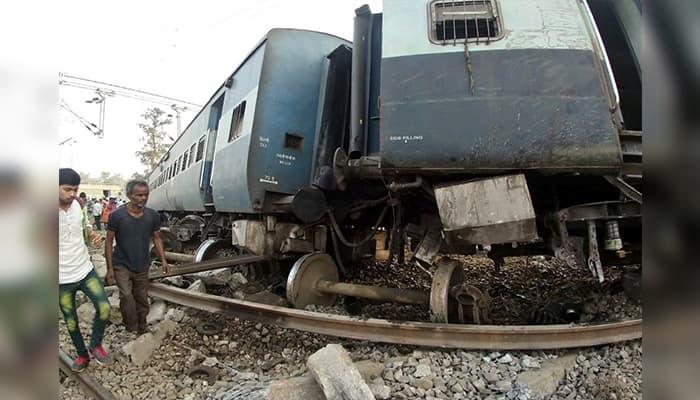 Lucknow New Farakka Express derailment Special train buses  stranded passengers stranded in Rae Bareli
