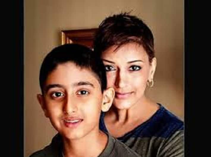 Sonali with a cancer patient Disease caused by treatment