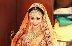 This Sabya bride, television actor Aamna Sharif, clearly had her wedding outfit memo in place - royal and opulent.