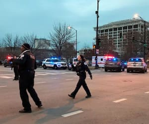 Chicago United States shooting Gunman opens fire Mercy hospital police