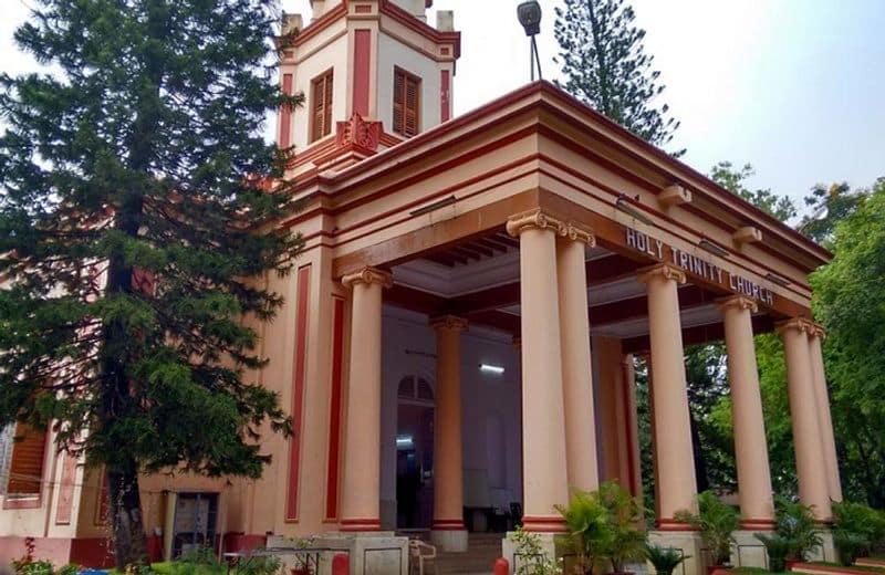 ಹೋಲಿ ಟ್ರಿನಿಟಿ ಚರ್ಚ್, ಎಂಜಿ ರಸ್ತೆ, ವೆಸ್ಟ್ ಭಾಗ