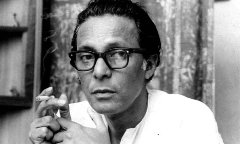 Sen had been battling age-related ailment for a while now and reportedly breathed his last at 10.30 am today. He, along with his contemporaries Satyajit Ray and Ritwik Ghatak, was considered a doyen of regional parallel cinema internationally.