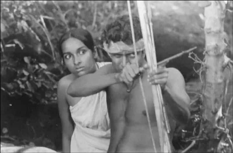 Mrigayaa (1976) featured Mithun Chakraborty as a tribal man. Mithun single-handedly made the movie a cult Bengali classic with his excellent acting and won the National Award for Best Actor. The film also won Mrinal Sen a National Award for Best Film.