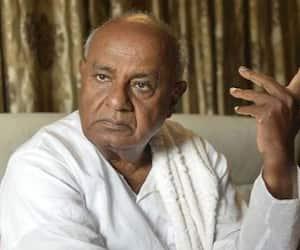 Deve Gowda backs Chandrababu Naidu BJP slams JDS double standard