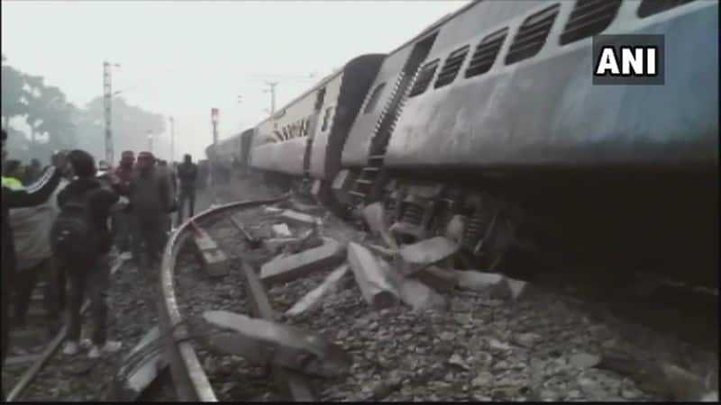 According to the latest reports, seven people have died in the train accident. Meanwhile, rescue operations are being carried out by teams of NDRF and SDRF.