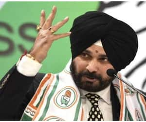 Navjot Singh Sidhu hits dignity of chaiwalas, pakorawalas and chowkidars