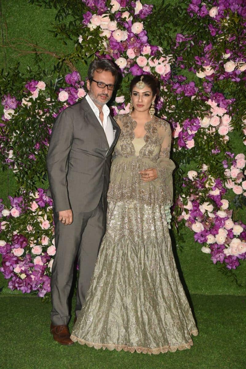 रवीना टंडन अपने पति अनिल टंडन के साथ
