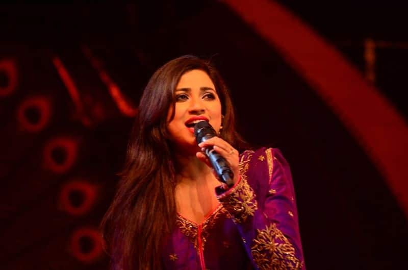 Talented singer Shreya Ghoshal celebrates her 35th birthday today. The singer made her Bollywood debut in 2002