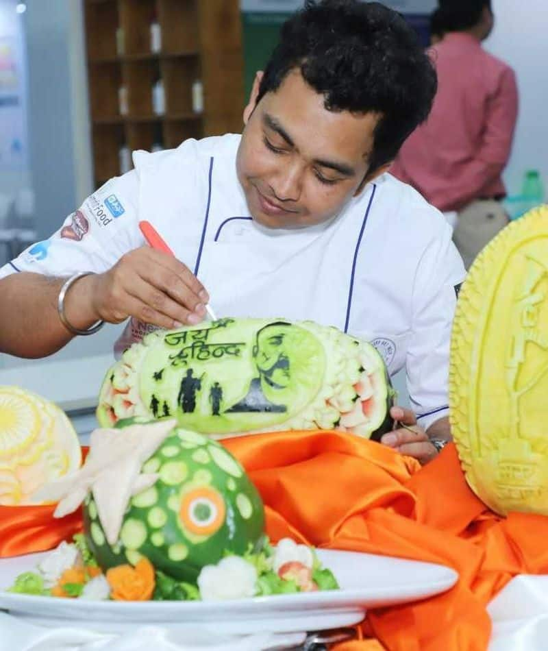 """The chef said, """"Through my carvings I wanted to beautifully depict Abhinandan's bravery and pay homage to the bravery and patriotism of our armed forces."""""""