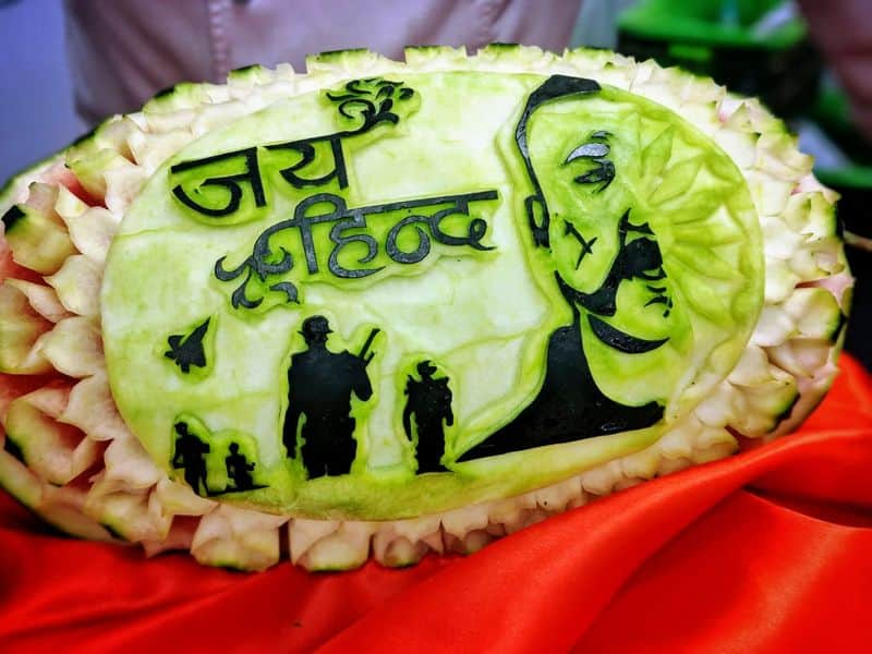 Chef Jitender carved out the face of Indian Air Force Wing Commander Abhinandan Varthaman on a watermelon as a tribute to his heroism.