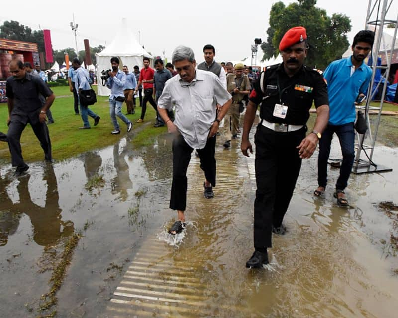 Manohar Parrikar arrived for the inauguration of Bharat Parv organised by the Government of India as part of Independence Day celebrations from August 12 to 18, 2016 at Rajpath Lawns, India Gate, on August 12, 2016 in New Delhi, India.