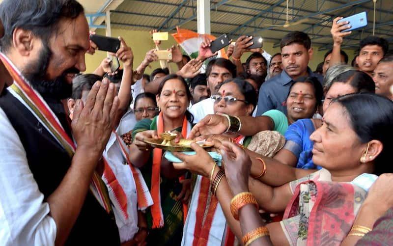 ఈ స్థానంలో వరుసగా కాంగ్రెస్ పార్టీకి చెందిన ఉత్తమ్ కుమార్ రెడ్డి విజయం సాధించారు. 2009, 2014, 2018 ఎన్నికల్లో ఉత్తమ్ కుమార్ రెడ్డి కాంగ్రెస్ అభ్యర్ధిగా విజయం సాధిస్తున్నారు. ఈ స్థానాన్ని కాంగ్రెస్ నుండి  కైవసం చేసుకొనేందుకు టీఆర్ఎస్ అన్ని రకాల ప్రయత్నాలను ప్రారంభించింది.
